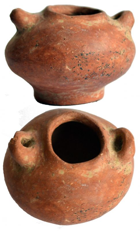 Pre-Columbian Pottery Jar. NP Collectables