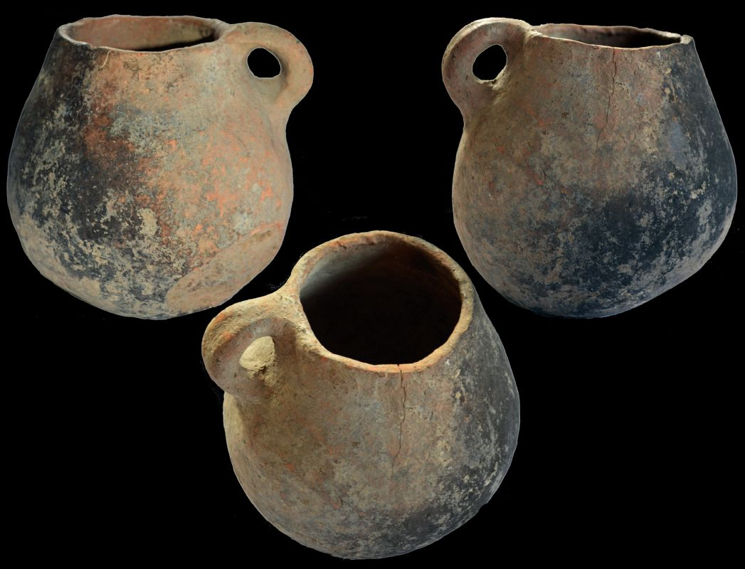 Pre-Columbian Pottery Cup. NP Collectables